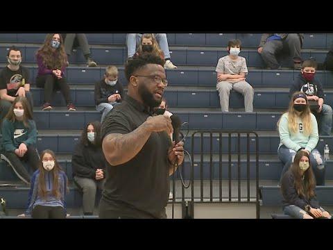 Maurice Clarett guest speaks at Leetonia High School