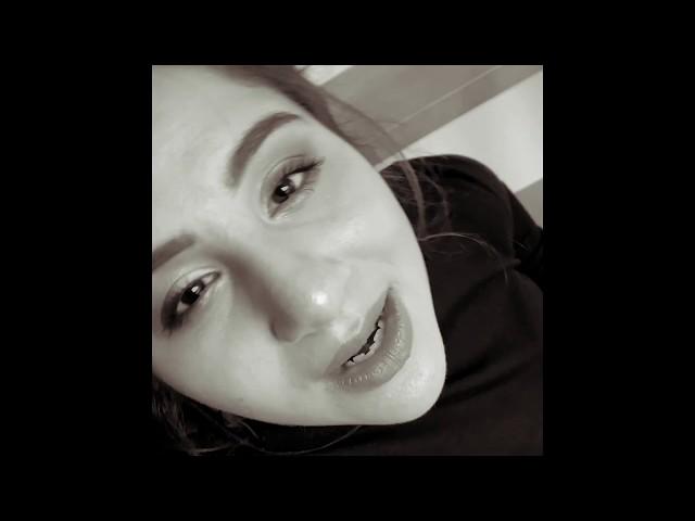 Andrea Holá - Give Me A Hint