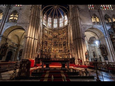 interiores de la catedral de san salvador de oviedo