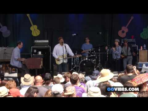 """Donna The Buffalo performs """"Heaven & Earth"""" at Gathering of the Vibes Music Festival 2014"""