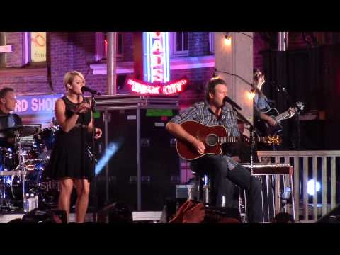Blake Shelton My Eyes Featuring Gwen Sebastian Live at CMT Music Awards Nashville, TN