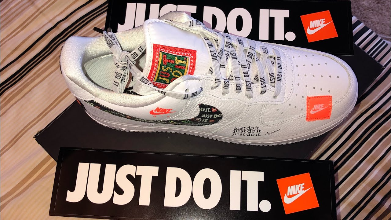 sports shoes 122a2 6cd4c Nike Air Force 1 Just Do It in hand review and Jordan 12 Michigan PE