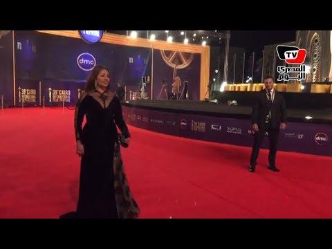 لحظة وصول حسين فهمي ويسرا وليلي علوي ولبلبة لمهرجان القاهرة السينمائي  - نشر قبل 12 ساعة