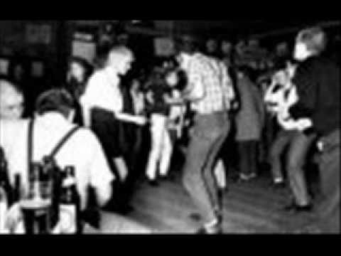 DESMOND DEKKER - PICKNEY GAL.wmv