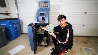we-broke-into-an-old-atm-machine-found-money