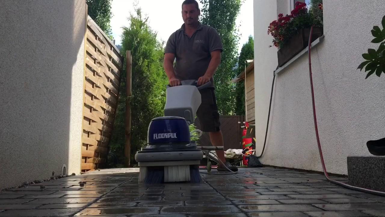 terrassenbel ge mit mit wasser und b rste reinigen youtube