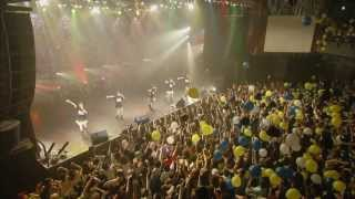 ベイビーレイズが2013年8月に行ったShibuya O-EASTで開催したワンマンライブ「ベイビーレイズ伝説の雷舞!-虎軍奮闘-」のライブ映像。 ベイビーレイズの「SMILE」です。