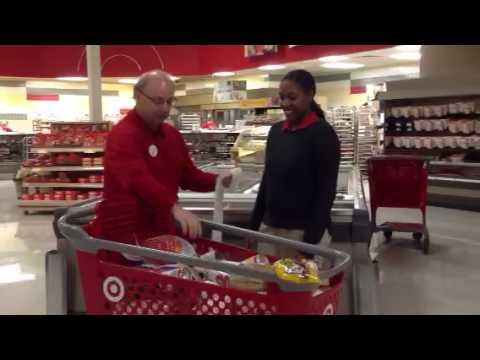 Super Target guest service for Thanksgiving - YouTube