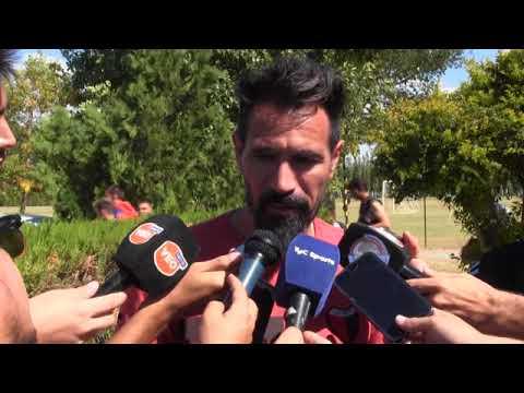 Eduardo Domínguez confirmó que vienen siete finales