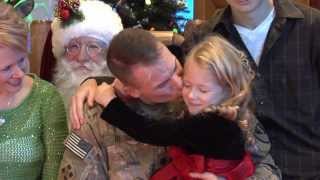 Santa helps a soldier with a special homecoming surprise