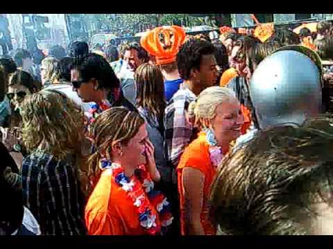 Dutch dj's play Johnstars tick tock track amsterdam