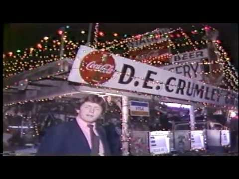 Look At D.E. Crumley Grocery During Christmas | Austin, TX 1985