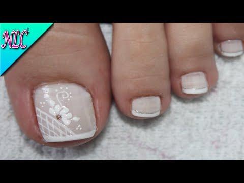 Diseño De Uñas Flor Y Francés Para Pies French Nail Art