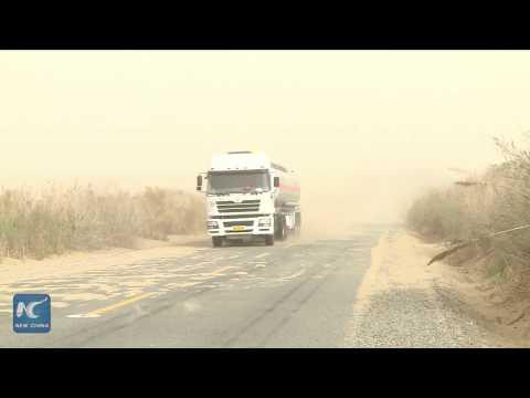 Heavy sandstorm hits Tarim oilfield in Xinjiang, China