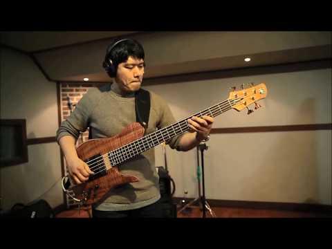 Download Youtube: Fodera Bass Imperial Elite 5 Koa Top / Sang-Do Han(Damian Erskine's Play)