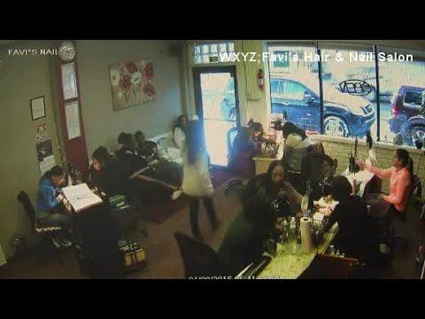 Detroit nail salon robbery
