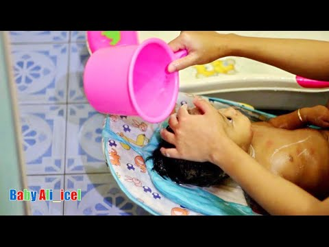 Tutorial, Cara Memandikan Bayi Lucu Dengan Baik Dan Benar