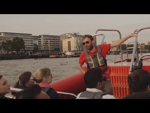 Video of Evening Thames Rockets Speed Boat Experience with Cocktail for Two
