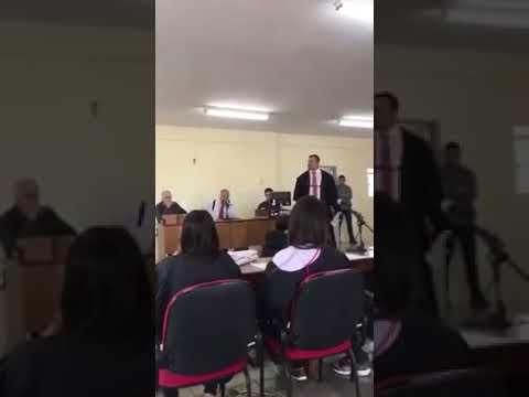 ASSISTA: Durante julgamento promotor chama advogado de 'mentiroso safado'