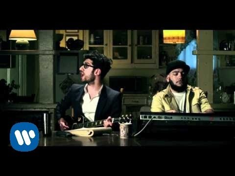 'Don't Turn The Lights On' Chromeo [OFFICIAL VIDEO]