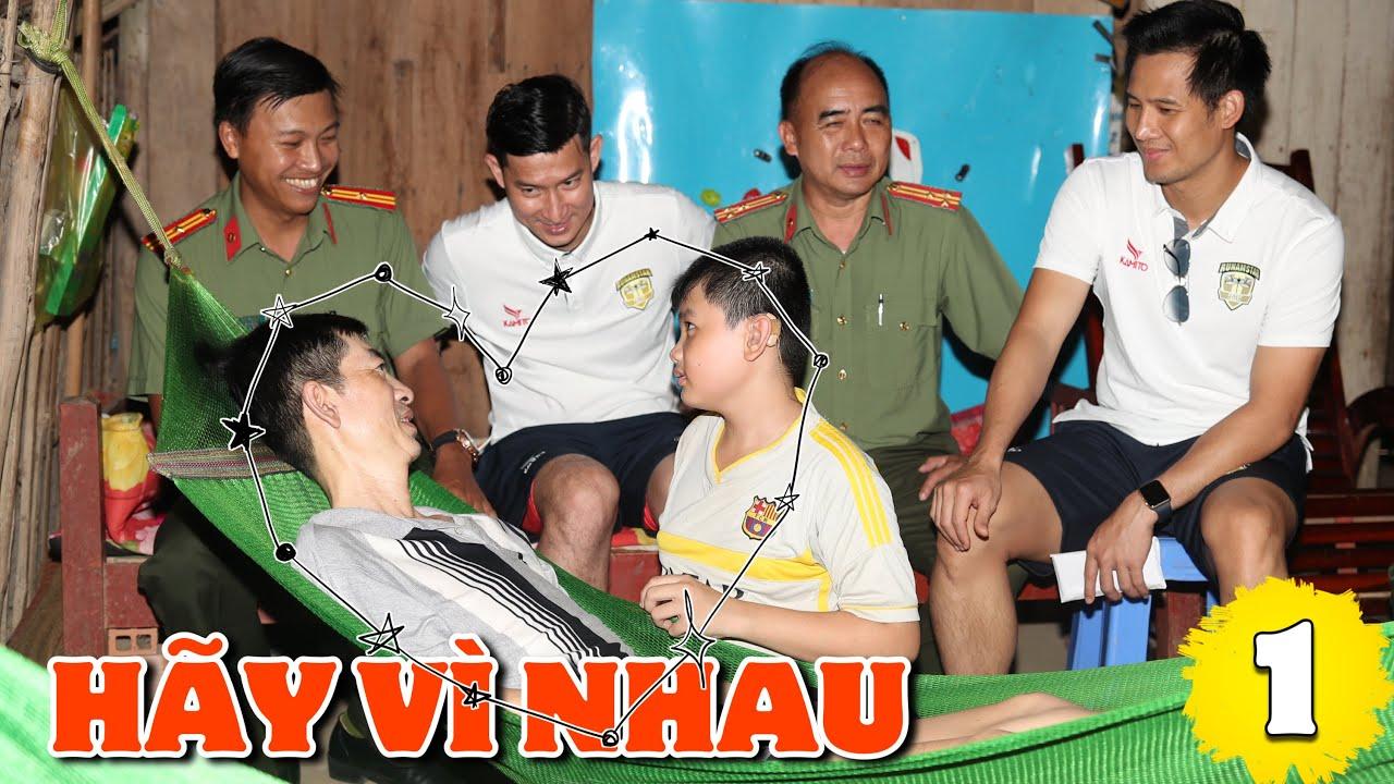 Runam Star United ĐÁ BÓNG THIỆN NGUYỆN Quyên Góp Cho Gia Đình Thầy Phụ Ở BẾN TRE | Huy Khánh Vê Lốc