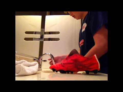 How to Clean Your Soccer Cleats/Football Boots SUPER EASY