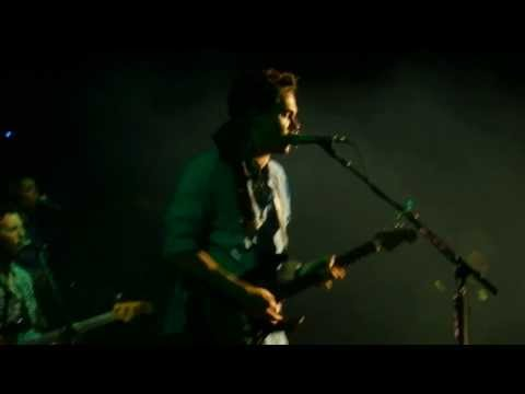 Olé Olé Olé /Waiting On The World To Change - John Mayer (Argentina) FULL HD