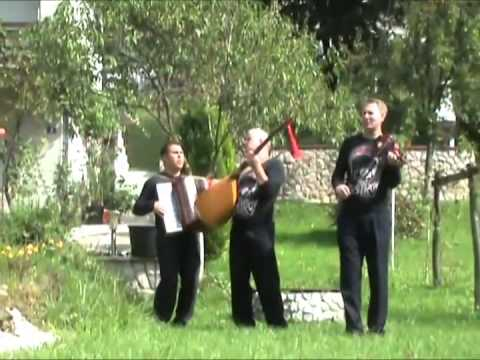 Izvori Srebrenika - Majka zeni sina - (Official video 2010)