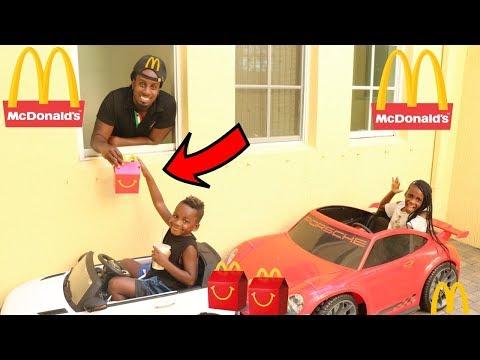 McDonald's Drive Thru Prank! Kids Pretend Play