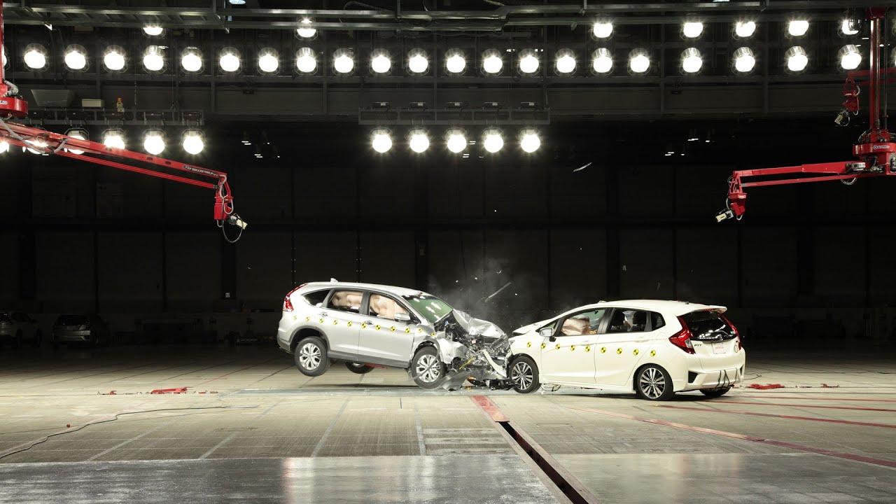 Crash test honda cr v vs fit asean ncap youtube for Honda crv crash test