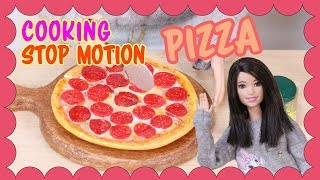 [Stop motion] Barbie doll Cooking  - Pepperoni Pizza