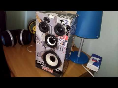 Homemade portable speaker with paper box