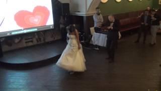 Прикол на свадьбе! Танец молодоженов!