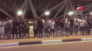 هتافات «وايت نايتس» في مطار القاهرة:على أفريقيا يازمالك