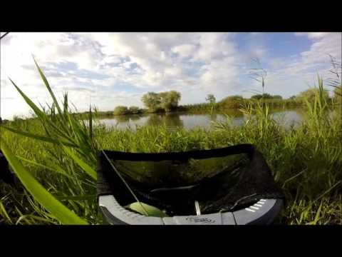 Anatoly la toile de la chanson sur la pêche de vidéo