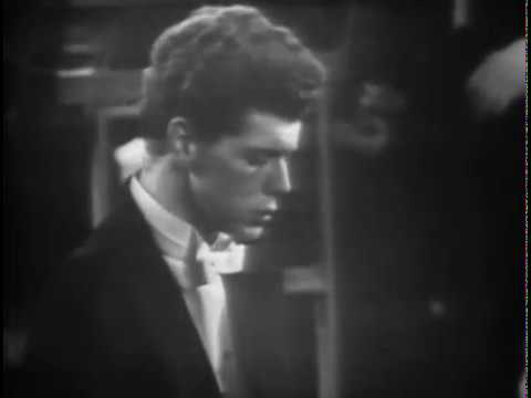 """Van Cliburn plays the Russian Song """"Moscow Nights"""""""