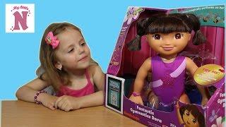 Даша Путешественница интерактивная кукла распаковка игрушки Dora the Explorer unboxing doll(Распаковка интерактивной игрушки - куклы гимнастки Даша Путешественница. Кукла делает гимнастические..., 2016-06-25T20:03:19.000Z)