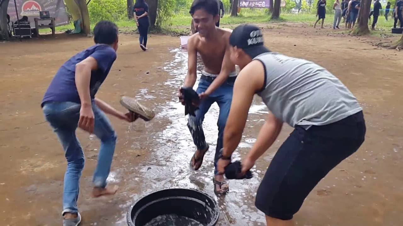 FUN TEAM BUILDING GAMES OUTBOUND LEMBANG BANDUNG INDONESIA - YouTube