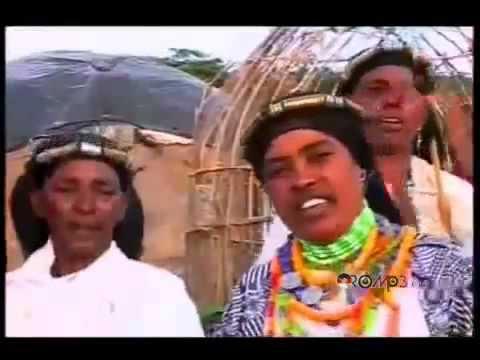 Abbush Zallaqaa Ft  Qalitti Wachile   Heellemmaa Oromo Music New 2013