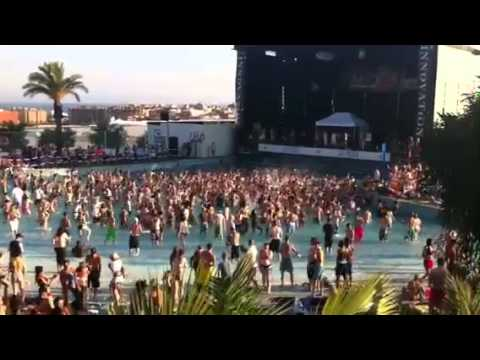 Innovation in the sun water park party 2011