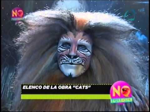 Gustavo Adolfo Infante visita un ensayo de Cats México
