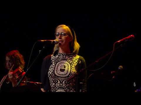 eTown Finale with Laura Veirs & Aaron Lee Tasjan - Ring Of Fire (Live on eTown)