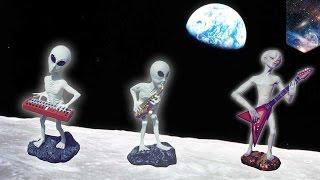 Astronot NASA mendengar