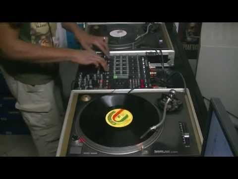 Mix Reggae Session 80's Roots &  Digital - Selecta Douroots