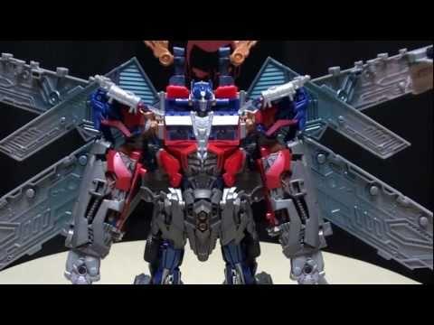 DOTM ULTIMATE OPTIMUS PRIME: EmGo's Transformers Reviews N' Stuff