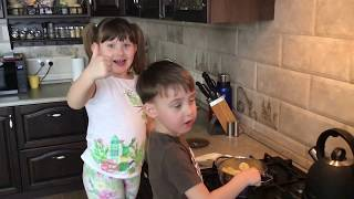 Как правильно готовить вкусные макароны? Рассказывают Кира и Миша.