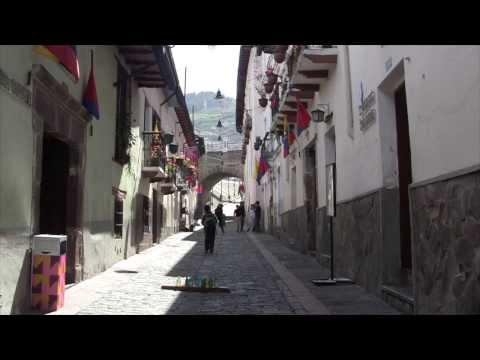 Quito, Ecuador, Teleférico, Mitad Del Mundo, Y Calle De La Ronda.