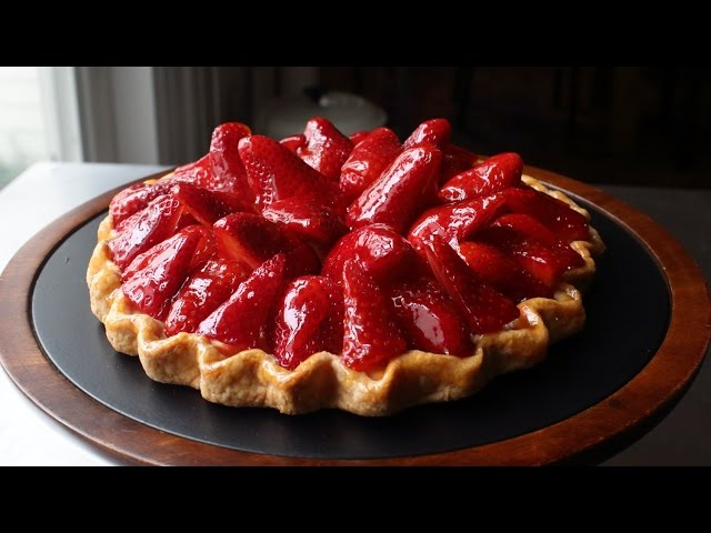 "Fresh Strawberry Tart - Easy ""Free-Form"" Strawberry Tart Recipe"