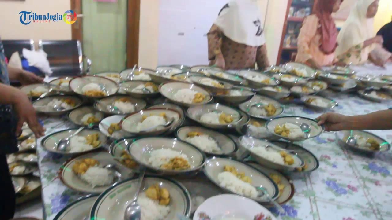 News Video Ribuan Porsi Makanan Gratis Untuk Buka Puasa Di