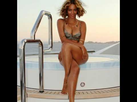 Beyoncé Knowles Shows off Her Feet